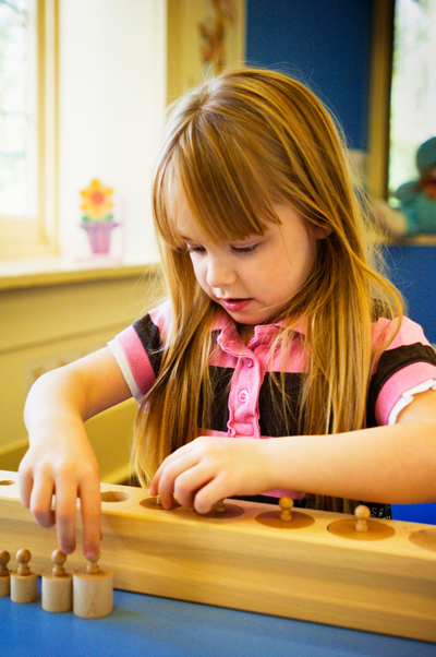 montessori-girl-pegs